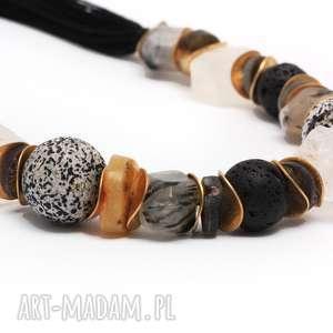 naszyjniki kryształ i bursztyn w towarzystwie czerni, kamienienaturalne, krysztal