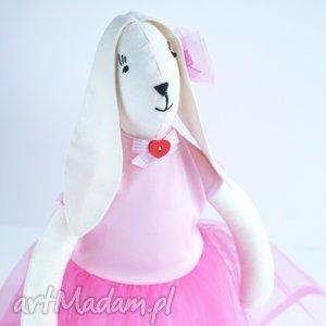 Kuferek Malucha - zając tilda w tiulowej sukni zając, skandynawski, tiul dziecko wielkanoc