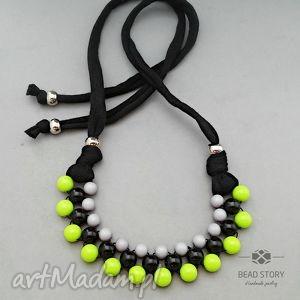 Naszyjnik z korali czarnych szarych limonkowych, korale, kolorowe, akryl, sznurek