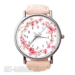 kwiat wiśni - skórzany zegarek z dużą tarczą, wianek