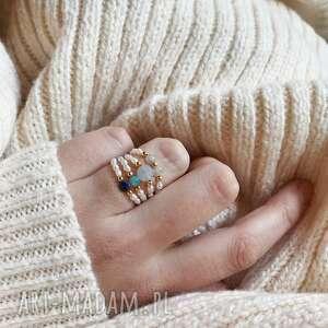 pierścionek - perły, płaski kamień, złoto, pierścionek, biżuteria