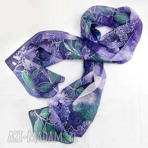 handmade chustki i apaszki fioletowy szal jedwabny kwiaty bzu ręcznie malowany