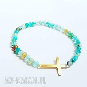 bransoletki krzyż w malutkich kamieniach agatu, krzyżyk, agat, minimalistyczna, modna
