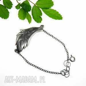 bransoletka z dużym wilkiem na łańcuszku, bransoletka, srebrna, biżuteria