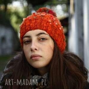 czapki czapka pomarańczowa w kropki, upominek, wełna, rękodzieło, dla niej