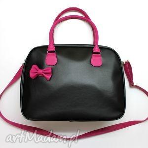 Kuferek weekend - czarny i fuksja na ramię torebki niezwykle