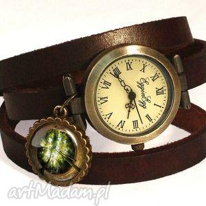 las - zegarek bransoletka na skórzanym pasku - rękę