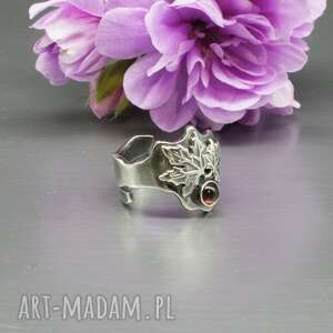 liść klonu - pierścionek maple, srebrny pierścionek, srebro oksyda, kamień