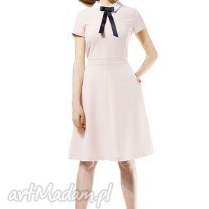 pudrowa sukienka z kołnierzykiem, pudrowa, kobieca, dziewczęca, elegancka