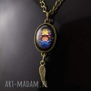 Wisiorek z kolorową grafiką, wisiorek, medalion, kolorowy, vintage, retro, antyczny