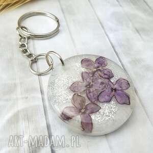 1098/mela - brelok do kluczy z żywicy kwiaty bzu, brelok, żywica, kwiaty, epoksyd