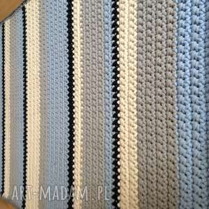 Podłużny pasiak 155cm x 80cm miedzy motkami crochet, rug
