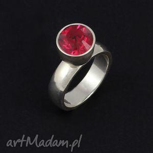 pierścionek srebrny z wymienną cyrkonią rubin, rubin, swarovski, lukato