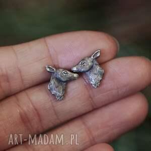 cztery humory mini łanie, kolczyki sztyfty ze srebra, srebrny jeleń, biżuteria