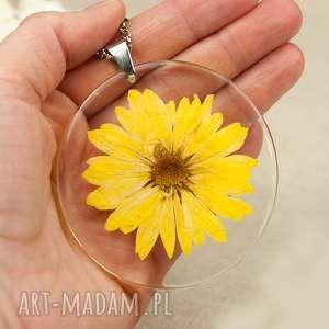 z176 duży wisior z suszonym kwiatem w żywicy - naszyjnik-z-kwiatem
