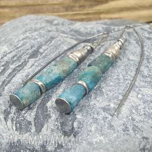 kolczyki srebrne z bryłkami apatytu, apatyt, srebro surowy apatyt