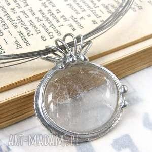 naszyjnik z gładkim kryształem górskim, kryształem