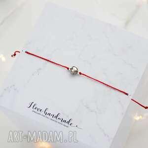 hand made bransoletka czerwony sznureczek z serduszkiem