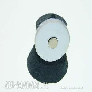 biały ceramiczny pierścionek rozmiar