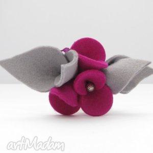 broszka - filcowe bratki - fuksja z szarością filc, kwiatki