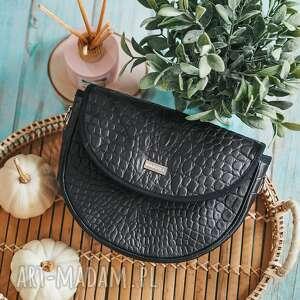 na ramię torebka z wymiennymi klapkami smart luna ltd 4506 black crocodile mat