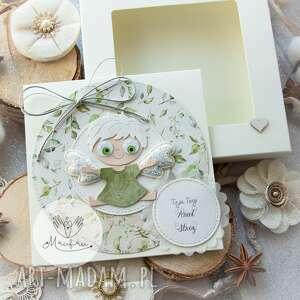 ręcznie wykonane kartki personalizowana kartka z aniołkiem stróżem w pudełeczku