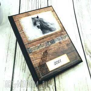 shiraja kalendarz książkowy 2021 t2, konie, ksiażkowy, planer