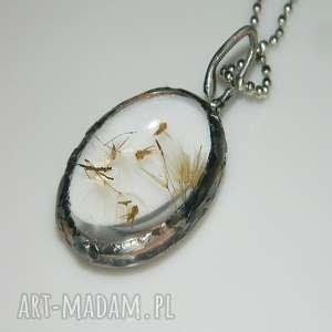 wisior z suszonymi roślinkami , wisior, medalion, unikatowa-biżuteria