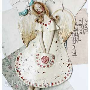 anioł lecący w fartuszku, ceramika, anioł, ptak