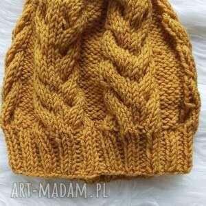 złote piaski, folk, boho, ciepłazima, klasyka, wełniana czapka, stylizacja