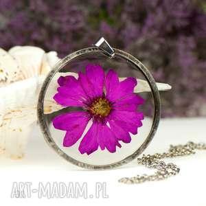 naszyjniki naszyjnik z suszonymi kwiatami w żywicy i cynie z91