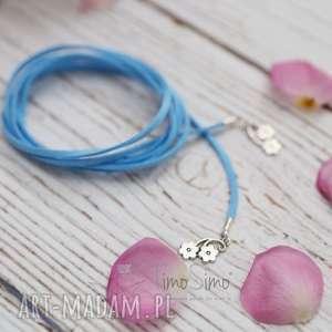 rzemyk na szyję nadia niebieski z kwiatkami, biżuteria
