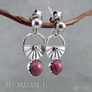cukiereczek różowy, drobne, delikatne, dziewczęce, radosne, okrągłe, srebro