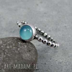 kuleczki z błękitnym oczkiem, delikatny, drobny, kulki, srebrny