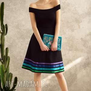 TRAPEZOWA SPÓDNICA W PASY COOL, czarna, pasy, spódnica, rozkloszowana, elegancka