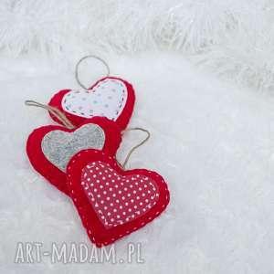 pomysł na upominek święta Zestaw 3 czerwonych serc z filcu, serca, zawieszka,