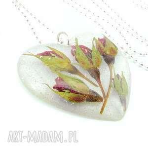 0918 mela - wisiorek z żywicy serce, kwiaty róże wisiorki art
