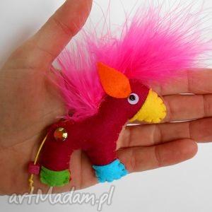 konik - broszka z filcu - koń, broszka, dziecko, święta, biżuteria