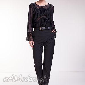 Spodnie Manola, moda