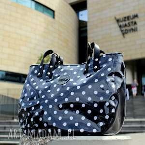 torba damska na ramię aktówka w czarno białe groszki, elegancka torebka
