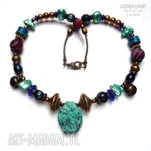 boho styl, naszyjnik w ciekawej kolorystyce z piękną chryzokolą, perłami i mosiądzem