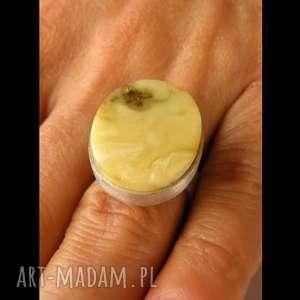 srebrny pierścionek z naturalnego bursztynu - bursztyn, bursztyny, pierścionek