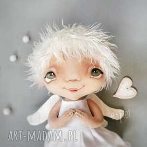 Aniołek gołąbek - dekoracja ścienna figurka tekstylna ręcznie