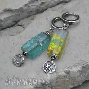 szkło z afganistanu. Kolczyki srebrne pastylką 094