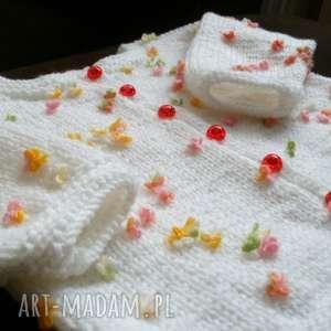 komplet kwiatkowy zawrót głowy, rękodzieło, sweterek, czapeczka, włóczka, komplet