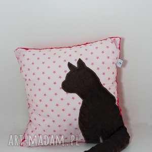 Poduszka z kotem i ogonem 3D brązowy kot na gwiazdkach, poduszka-z-kotem, poduszka-3d
