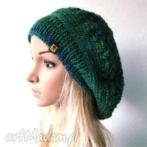 ażurowy beret w zieleniach - beret, czapka, ażur, jesień, zima, czapeczka