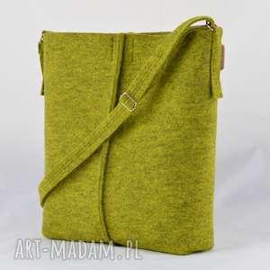 green sheep limonkowa listonoszka minimalistyczna ze szwem, filc, filcowa