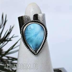 dziki krolik pierścień z larimarem, larimar, srebro, łezką, kamień