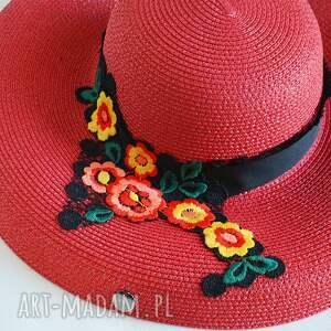 ręczne wykonanie dodatki czerwony kapelusz
